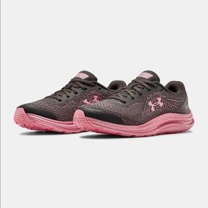 Under Armour Girls Liquify Running Shoes.  NWT